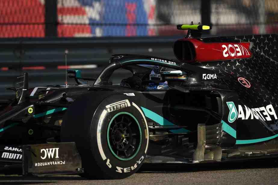 Qui est le père de Lewis Hamilton?