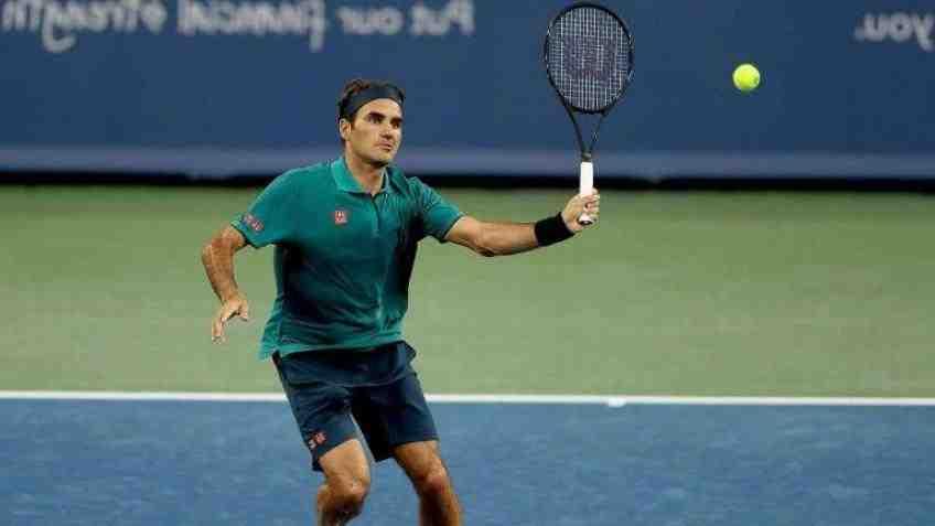 Roger Federer, battu jeudi à Doha (Qatar), a annoncé qu'il ne jouerait pas la semaine prochaine à Dubaï.