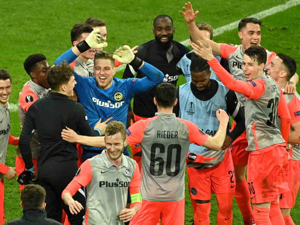 Adieu Bilbao et Dublin, bonjour Séville: à moins de deux mois de l'Euro de football, l'UEFA a enfin bouclé vendredi la liste de ses villes-hôtes.