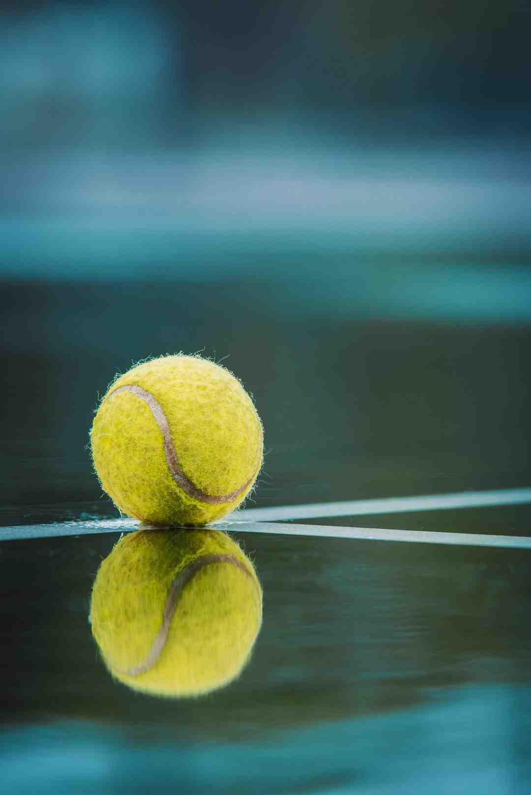 Echange une semaine contre du public. C'est l'annonce faite jeudi par la Fédération française (FFT) qui, après concertation avec les autorités françaises et tennistiques, a repoussé Roland-Garros d'une semaine en espérant augmenter sa jauge de spectateurs.