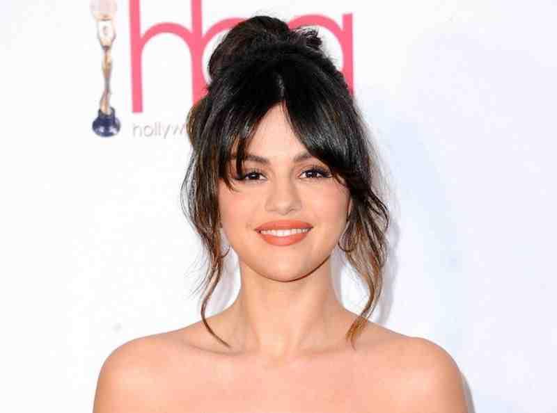 Selena Gomez, très engagée dans la lutte pour la vaccination contre la Covid-19 au sein des pays défavorisés, a interpellé Emmanuel Macron sur Twitter. Le président de la République a tenu à lui répondre, ce dimanche 25 avril.