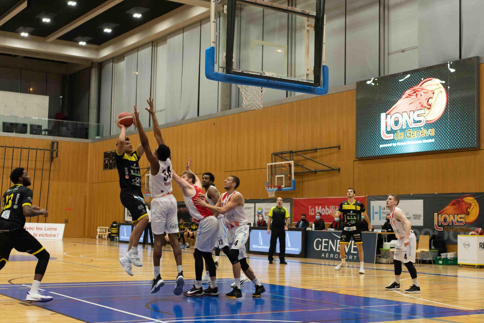 Basket: Fritschi brille grâce au collectif