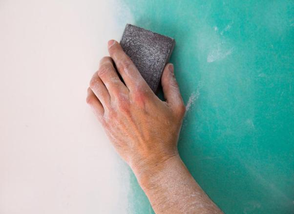 Comment  Enlever de la moisissure sur une cloison sèche