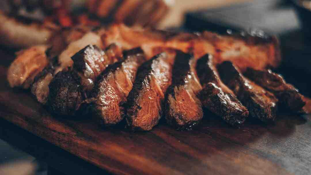 Comment décongeler rapidement de la viande rouge ?