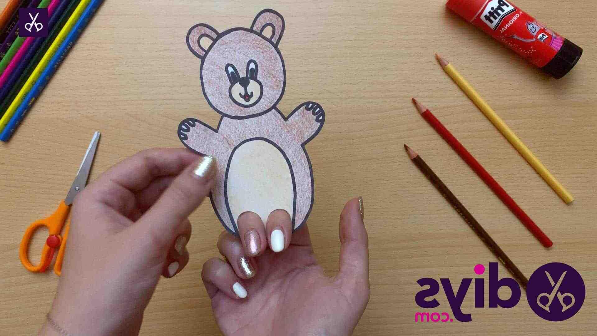 Comment fabriquer une marionnette lapin ?