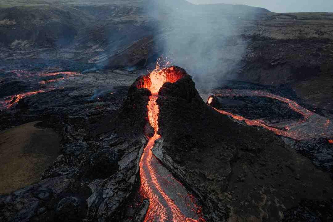 Comment faire un volcan avec de la levure ?