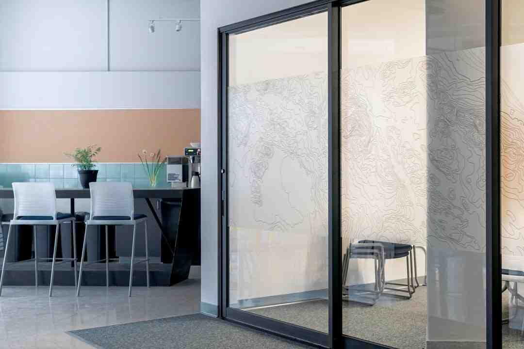 Comment nettoyer une douche en acrylique ?
