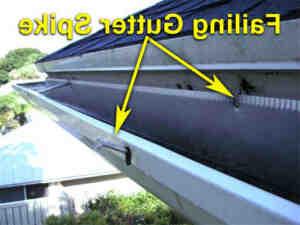 Comment poser une descente de gouttière en PVC ?