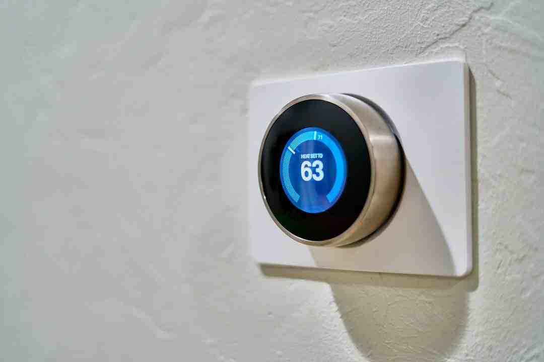Comment régler des radiateurs thermostatiques avec un thermostat d'ambiance ?