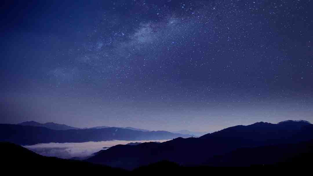Pourquoi Vénus est si lumineuse ?