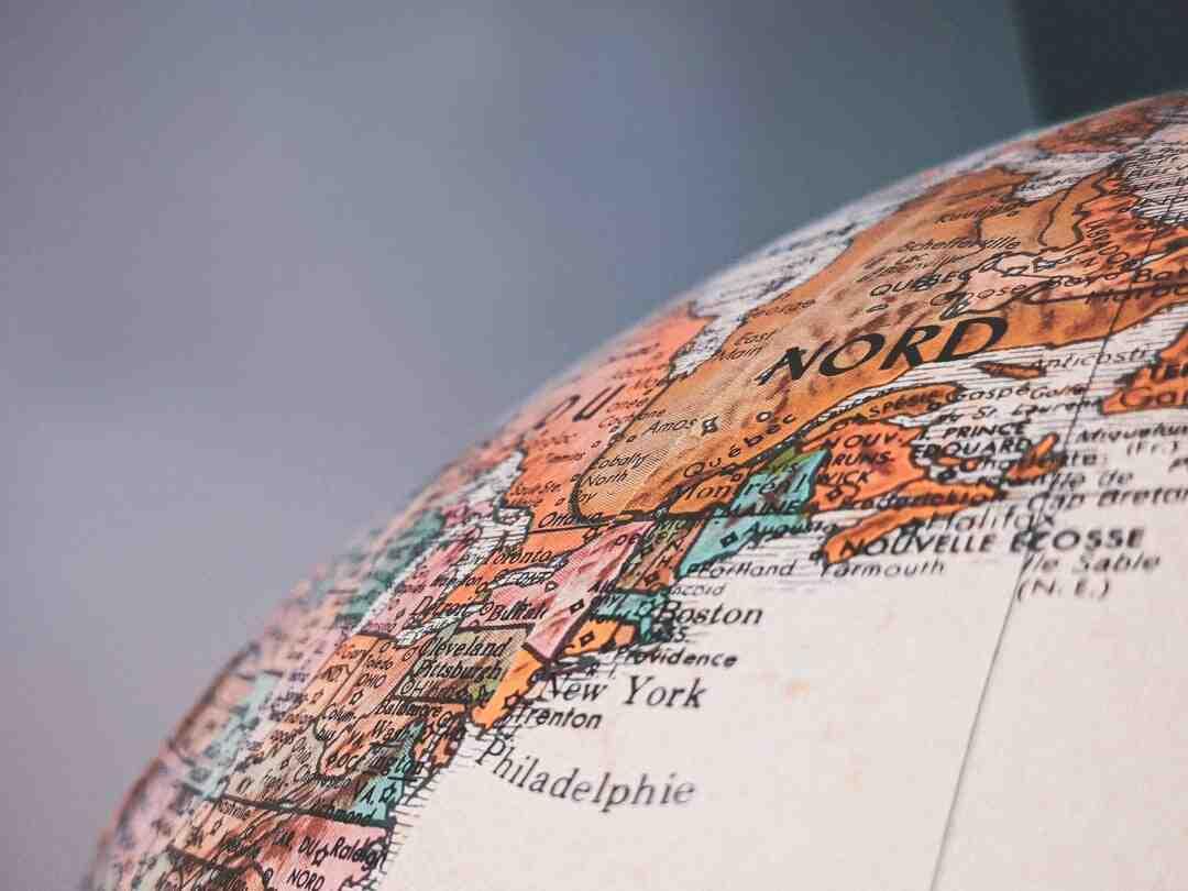 Quelle est la valeur maximale de la latitude ?