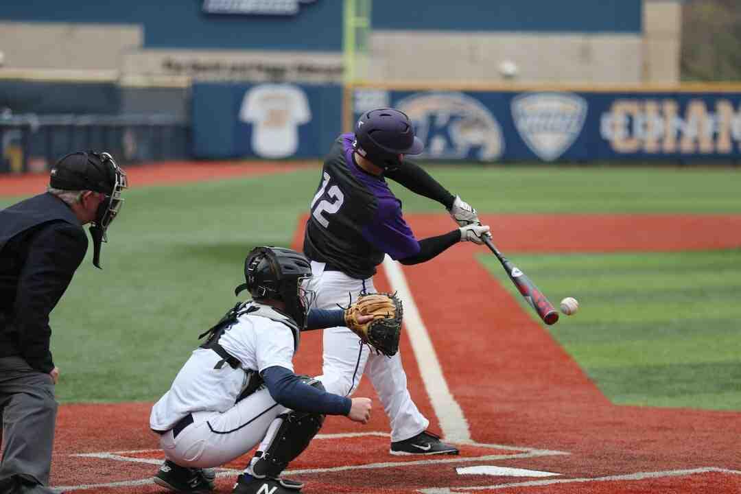 Quelles sont les 4 façons d'éliminer un attaquant baseball ?