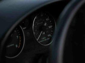 Comment  Se rafraichir dans une voiture sans air conditionné