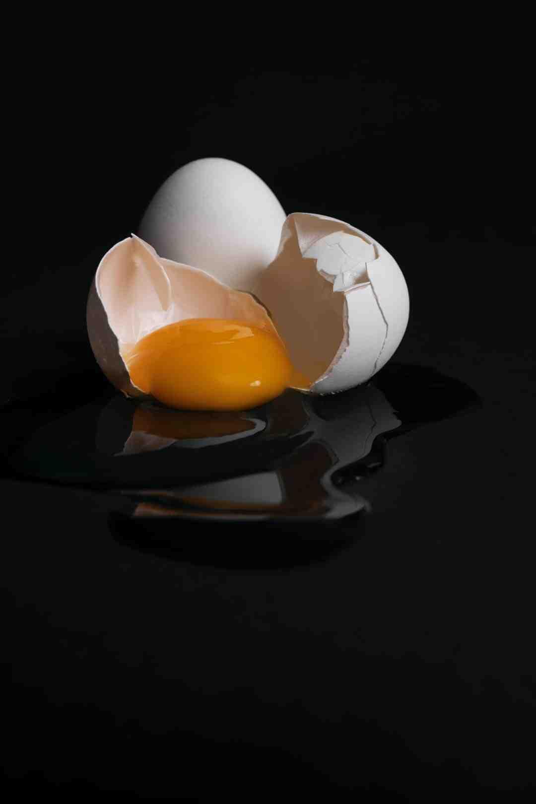 Comment enlever la coquille d'un œuf mollet ?