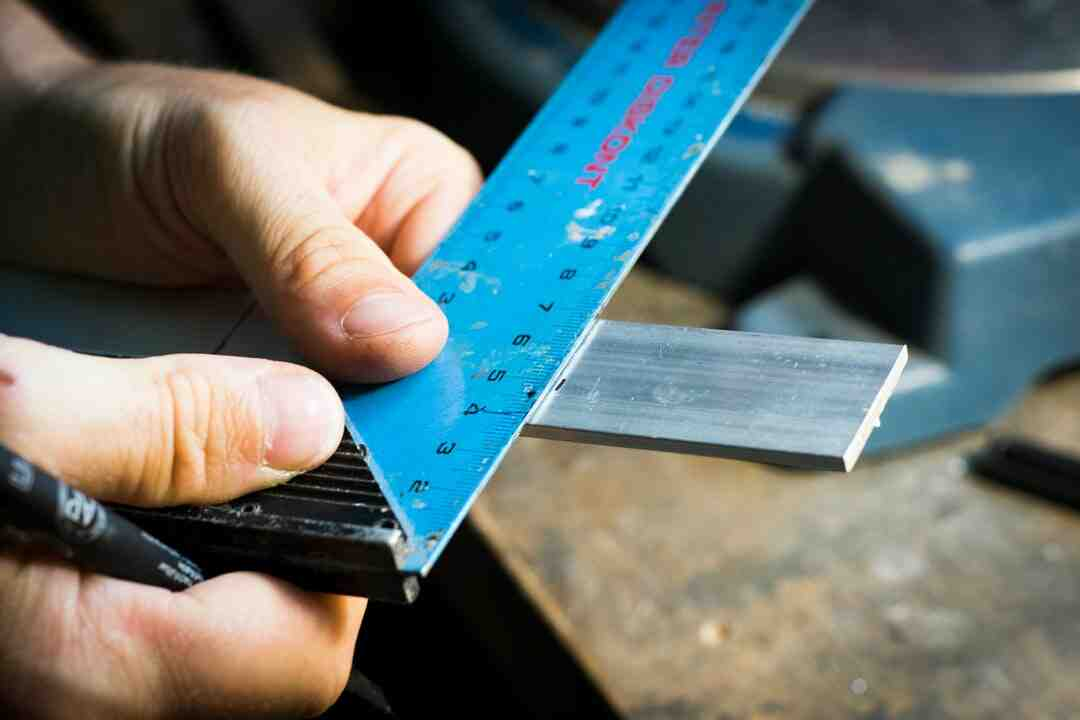 Comment enlever teinture sur aluminium ?