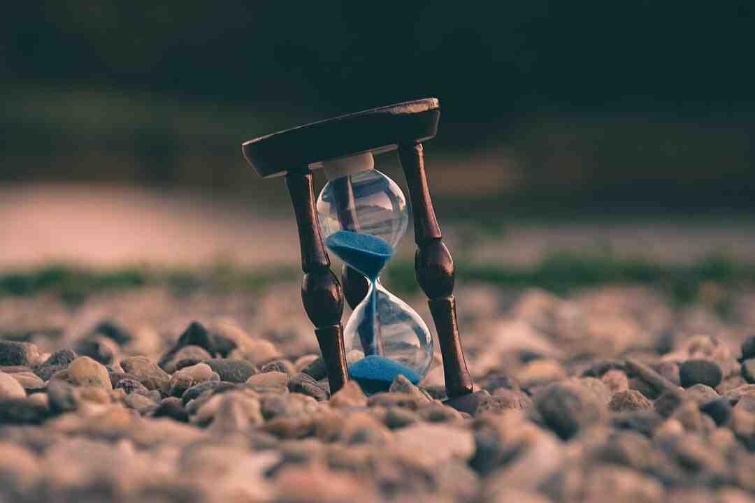 Comment mettre l'horloge à l'heure ?