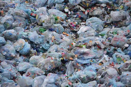 Où donner des sacs plastiques ?