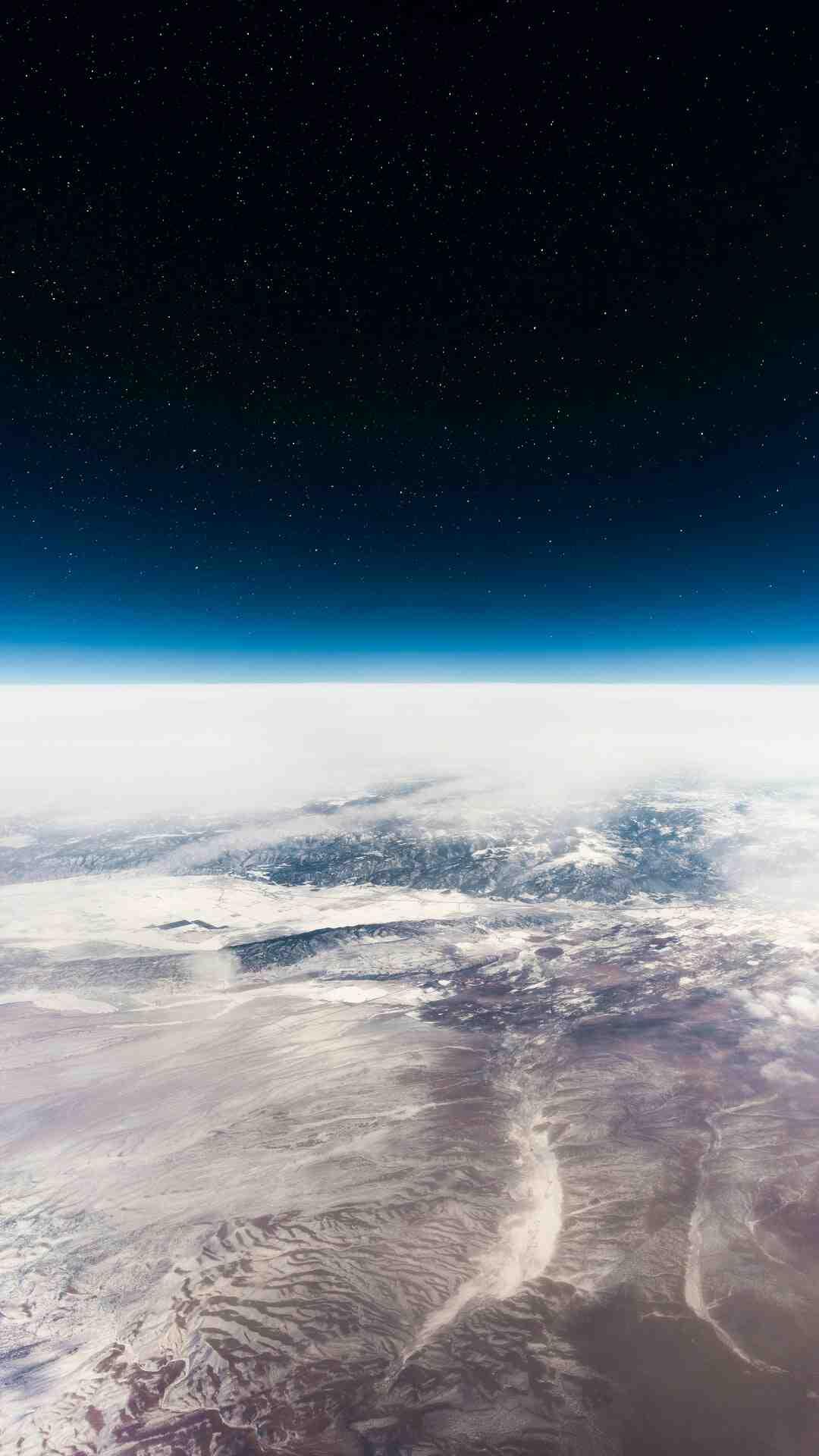 Pourquoi Google Earth n'est pas à jour ?