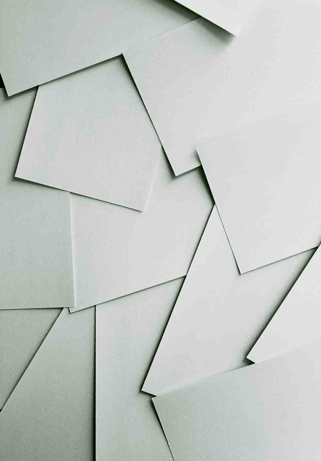 Quelle colle pour faire du papier mâché ?