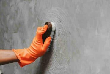 Comment  Enlever de la peinture sur du béton
