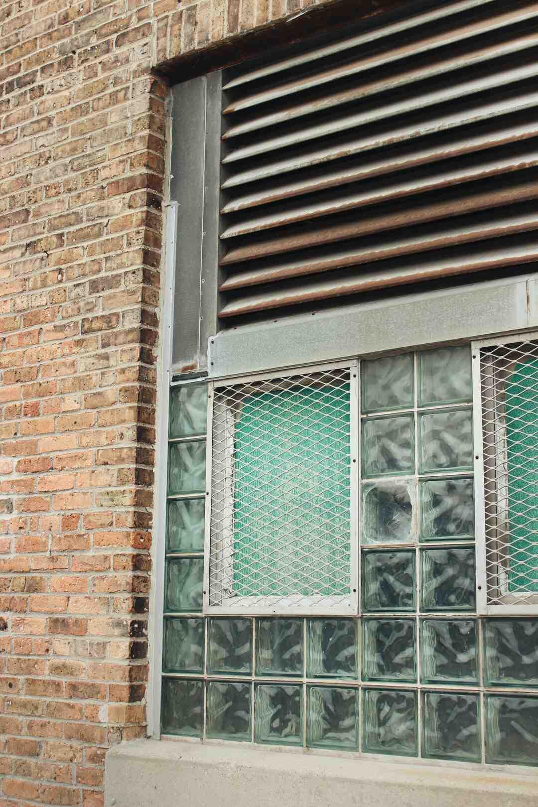 Quelle colle pour les briques de verre ?